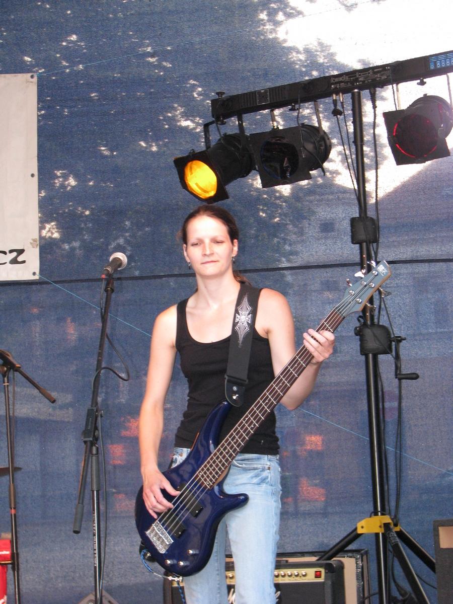 Music on the Square 2010: Munzifai