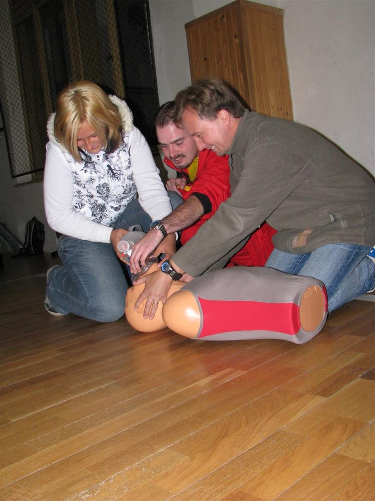 2008-09-15_first-aid-for-all002